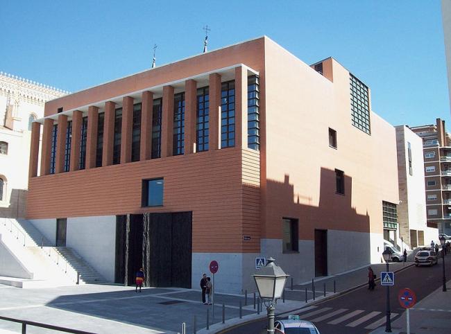 Новый корпус Музея Прадо. Фото: Luis García via Wikimedia Commons. Лицензия GNU Free Documentation License, Version 1.2