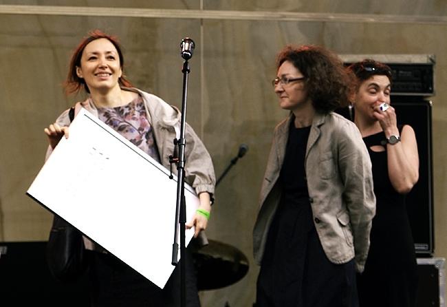 Элина Лобацкая и Ксения Лошманова. Фотография Аллы Павликовой