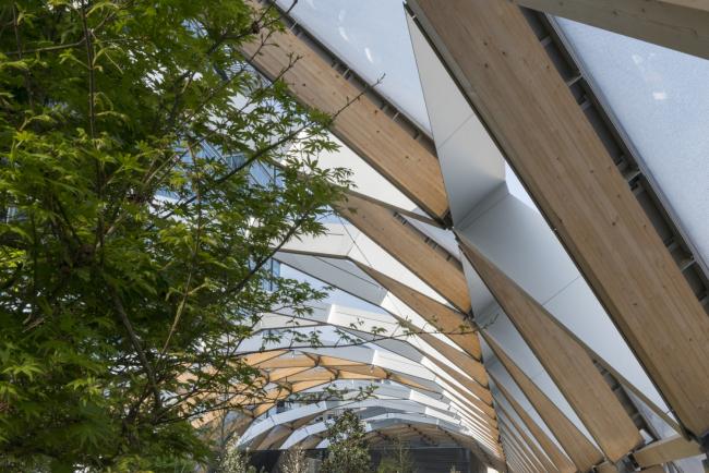 Станция Crossrail «Кэнери-Уорф». ТЦ и сад на крыше © Nigel Young / Foster + Partners