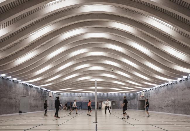 Гимназия Гаммель-Хеллеруп – спортзал © Rasmus Hjortshøj