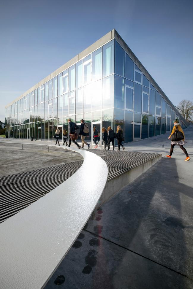 Гимназия Гаммель-Хеллеруп – новый корпус © Jens Lindhe