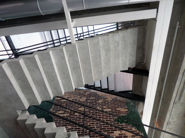 """The zone around the open staircase leading onto the roof - one of the most """"garage"""" places of """"Garage"""". Photograph © Ilia Mukosey"""