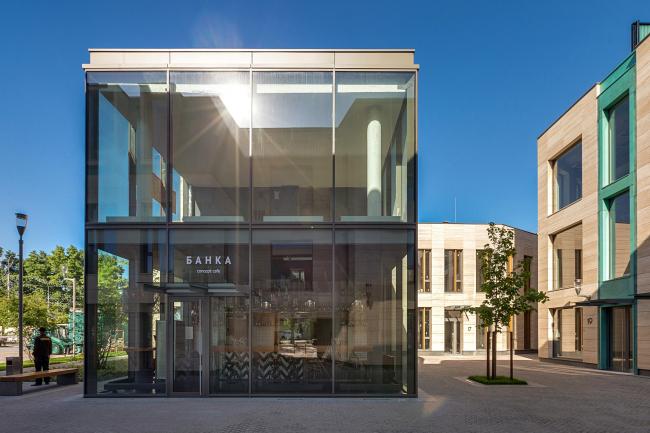 Кафе «Банка». Бизнес-центр Bank side в Наставническом переулке. Фотография © Мастерская ADM / Анатолий Шостак