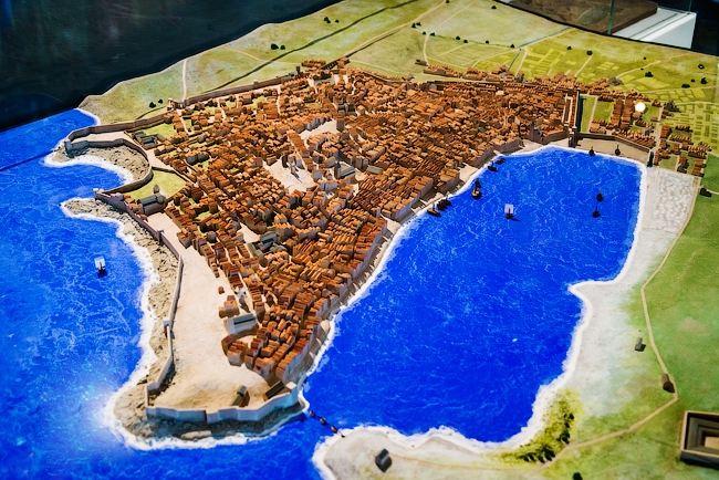 Старый порт в средние века © Василий Бабуров