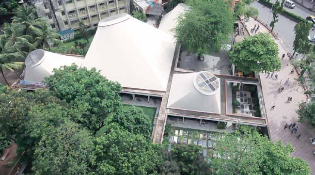 Португальская церковь Салвасан в Мумбаи. 1977. Фото с сайта indianexpress.com/article/cities/mumbai/the-correa-legacy/99/