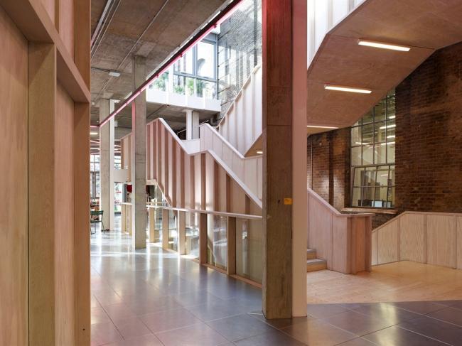Университетский кампус бизнес-школы Hult © Kristien Daem