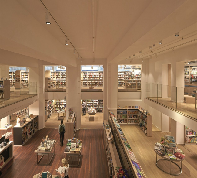 Книжный магазин Foyles © Hufton and Crow, Nina Sologubenko