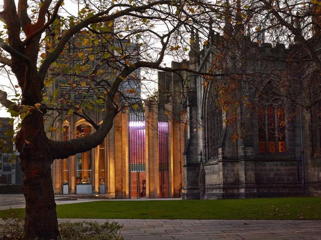 Ворота Кафедрального собора Шеффилда © Paul Barker, Exposure Property Marketing