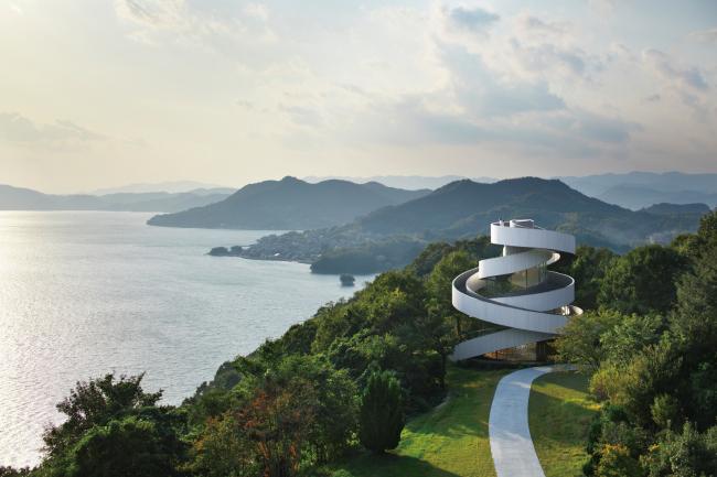 Часовня Ribbon Chapel © Koji / Fujii  Nacasa & Partners Inc