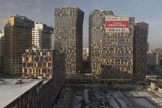 Multifunctional complex at Mytnaya Street © Ostozhenka