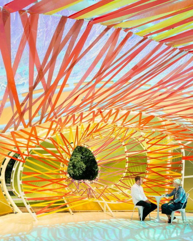 Летний павильон Галереи Серпентайн 2015 © Jim Stephenson