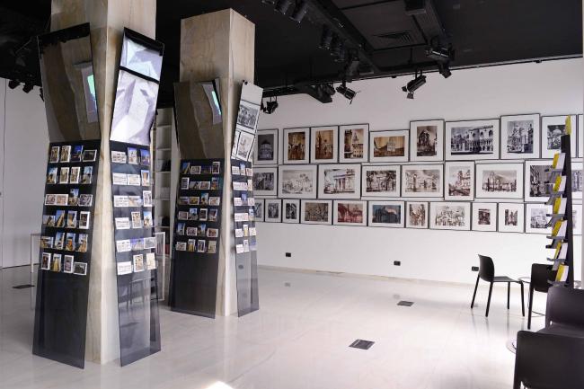 Выставка рисунков Сергея Чобана «Реальность и фантазия» в Милане. Фотография © Mauro Consilvio