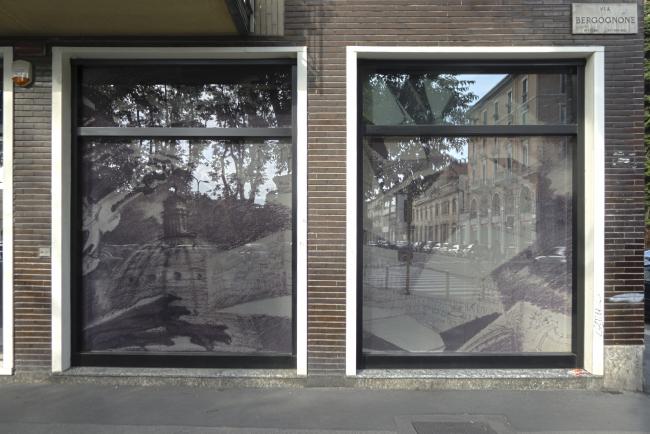 Выставка рисунков Сергея Чобана «Реальность и фантазия» в Милане. Фотография © Лев Шестаков