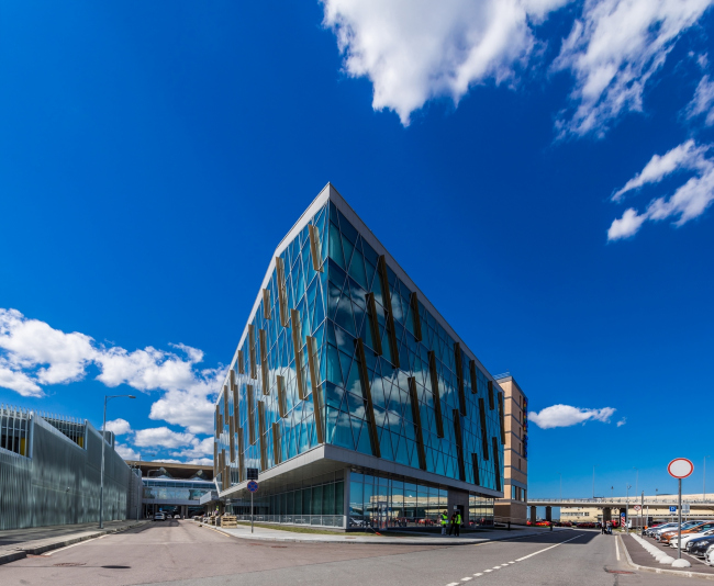 """The business center and the hotel near """"Pulkovo"""" airport © A.Len"""