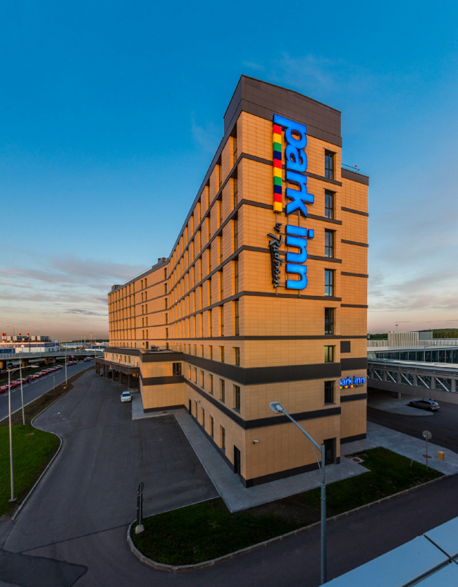 "The business center and the hotel near ""Pulkovo"" airport © A.Len"