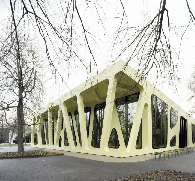 Университетская столовая в Карлсруэ. Проект Юргена Майера. Фотография предоставлена компанией «РОТО ФРАНК»