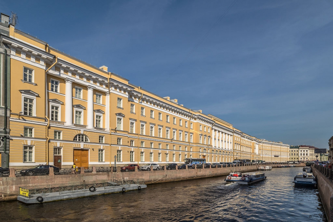Здание Главного штаба. Санкт-Петербург. Фотография © Alex Florstein, wikimedia, CC BY-SA 3.0