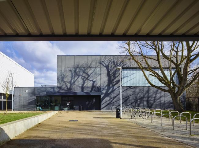 Академия Бернтвуд в районе Уондсуорт в Лондоне © Timothy Soar