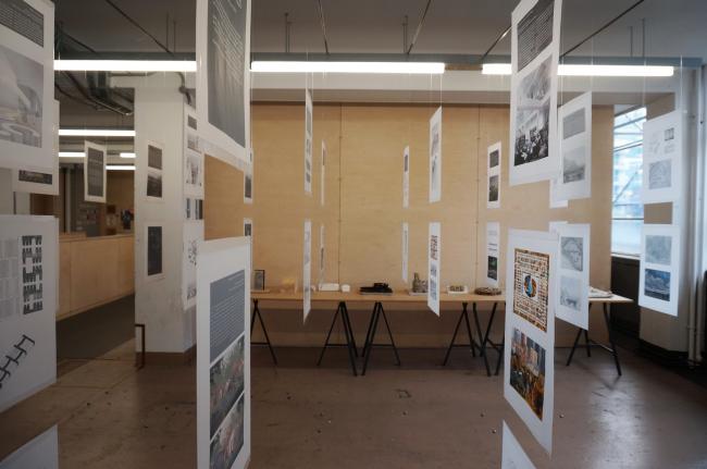 Выставка МАРШ в школе Cass © Денис Макаренко