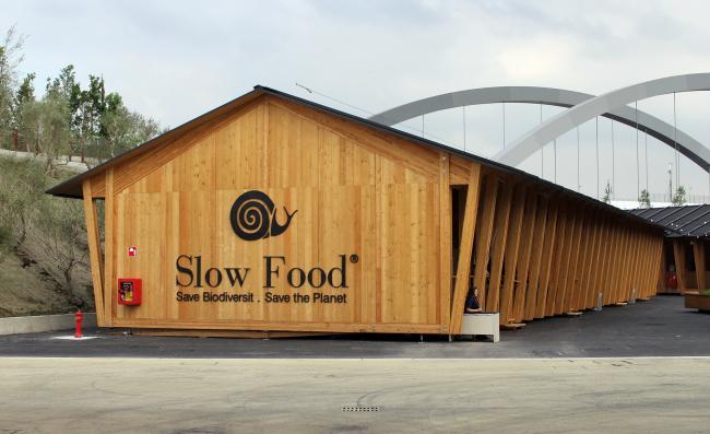 Павильоны Slow food («Медленной еды»), Herzog & de Meuron. Фотография © Юлия Тарабарина