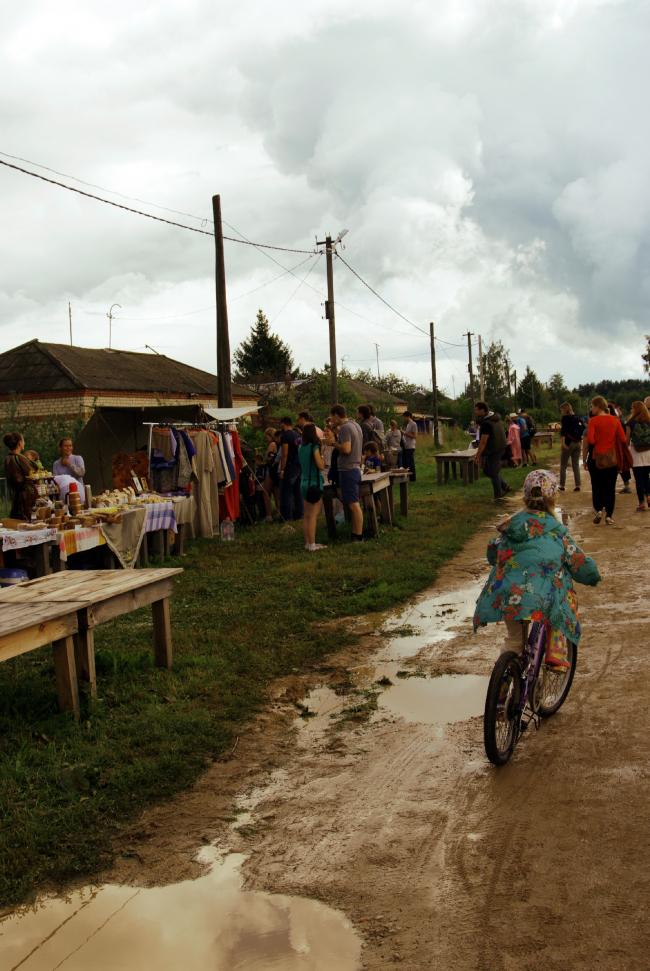 Фестиваль «Архстояние–2015». Ярмарка. Фотография Дмитрия Павликова