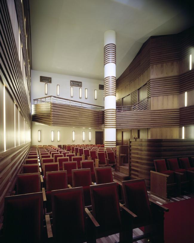 Еврейский культурный центр и синагога Хабад Любавич. Фотография © Julia Jungfer
