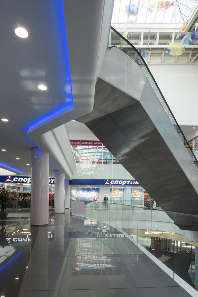 Интерьер торговой части комплекса «Водный» © AM «Атриум»