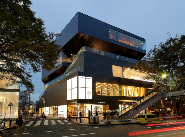Торговый центр Gyre. Фото: Forgemind ArchiMedia via flickr.com. Лицензия CC BY 2.0