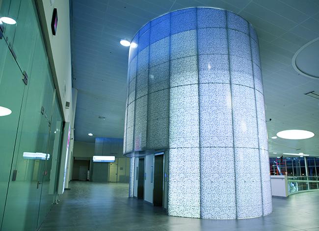 Лифт–художественная перфорация MIX на стеновых панелях Basic CL. Фоторафия © Татьяна Бесчастная