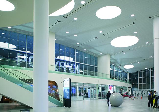 Интеньер нового терминала Междунардного аэропорта Курумоч. Фоторафия © Татьяна Бесчастная