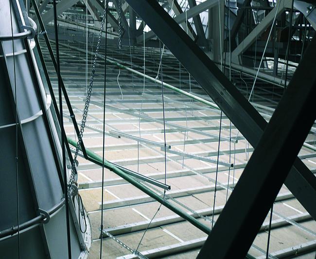 Крепление потолочной  системы HOOK-ON. Фоторафия © Татьяна Бесчастная