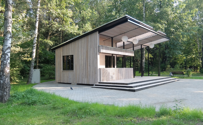 Pavilions in the Izmailovsky Park © People's Architect
