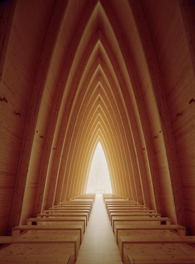 Sanaksenaho Architects. Экуменическая часовня Св. Генриха в Турку. Фото: Jussi Tiainen