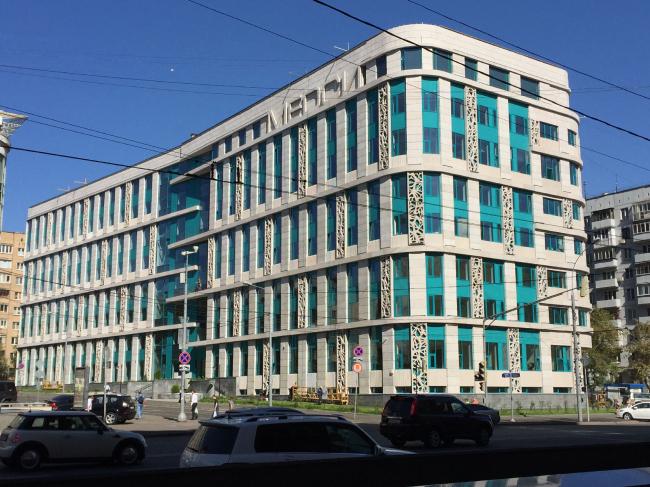 Архитектурное решение фасадов клинико-диагностического центра. Вид со стороны Красной Пресни © ГранПроектСити