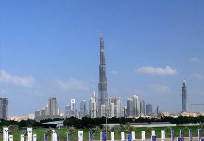 «Бурж Дубай» в декабре 2007