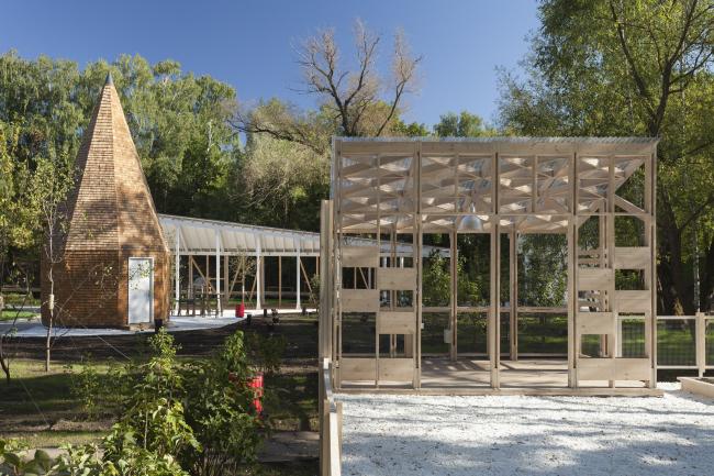 The house for master classes. Urban farm at VDNKh, 1st phase. WOWhaus Bureau. Photograph © Dmitry Chebanenko