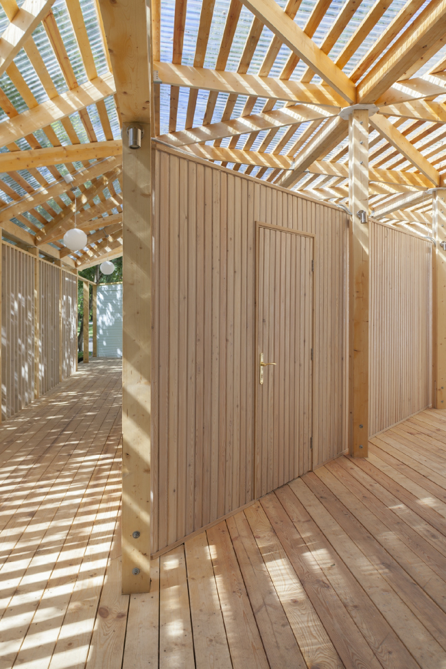 The entrance pavilion of the norther part. Urban farm at VDNKh, 1st phase. WOWhaus Bureau. Photograph © Dmitry Chebanenko