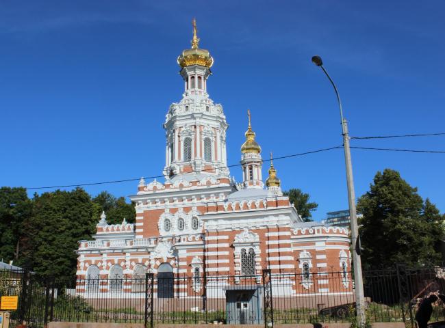 Церковь Воскресения Христова на Смоленском кладбище в Петербурге. Фотография предоставлена компанией «Славдом»