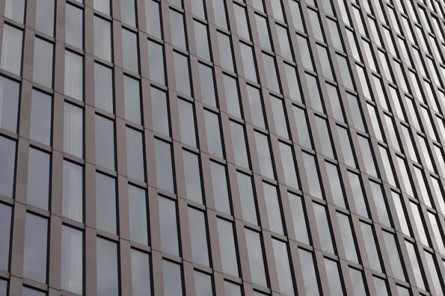 Отель Эмпайр Риверсайд. Фрагмент фасада. Фото: Ajepbah  via Wikimedia Commons. Лицензия CC-BY-SA-3.0