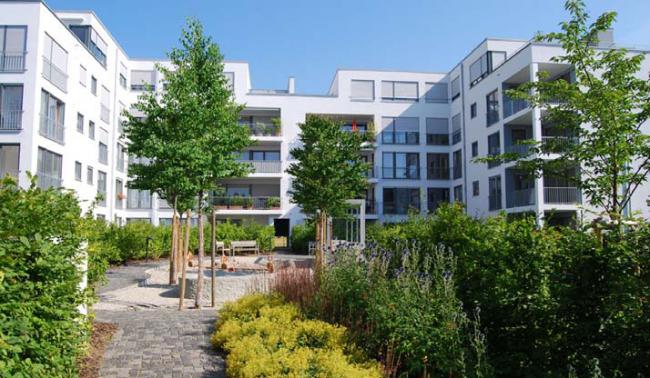 Жилой комплекс Blue Garden в Остфильдерне. Зеленая крыша с применением технологии Floradrain FD 60 © ZinCo, zinco-greenroof.com