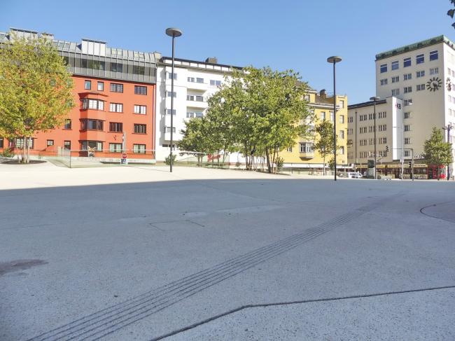 Площадь Эдуард-Вальнёфер-плац (Ландхаусплац) в Инсбруке. Фото © Елизавета Клепанова