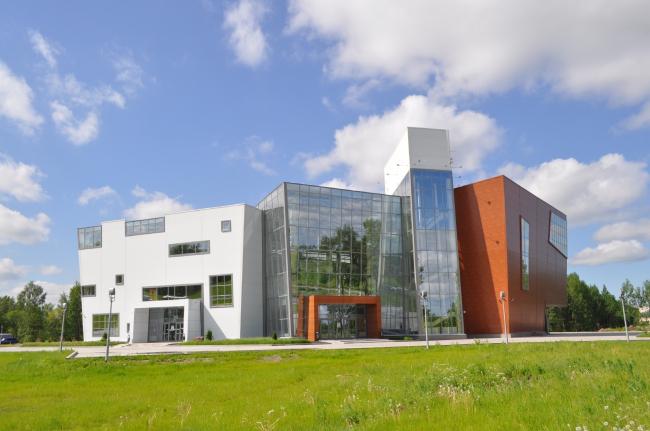 Торговый центр в Великом Новгороде. ПТАМ Виссарионова. Фотография © Кафедра архитектуры НовГУ