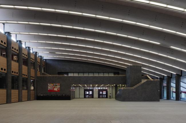 Новая штаб-квартира Campari в Милане на территории бывшего завода Campari © Enrico Cano