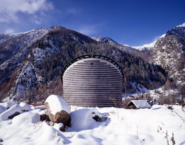 Церковь Святого Иоанна Крестителя в Моньо (Швейцари) © Enrico Cano