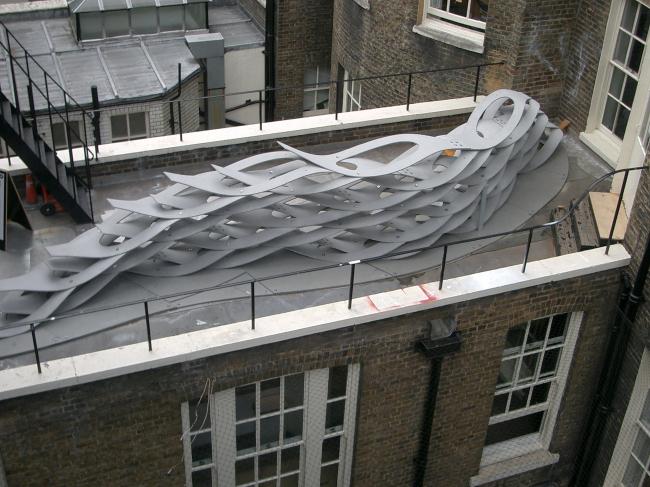 «Канапе» на террасе здания АА.