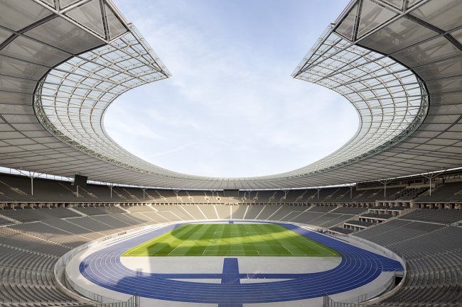 Олимпийский стадион в Берлине – реконструкция © Marcus Bredt
