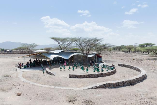 Иван Баан. Центр вакцинации Коноконо в Туркана (Кения). Архитекторы SelgasCano © Iwan Baan. Предоставлено автором