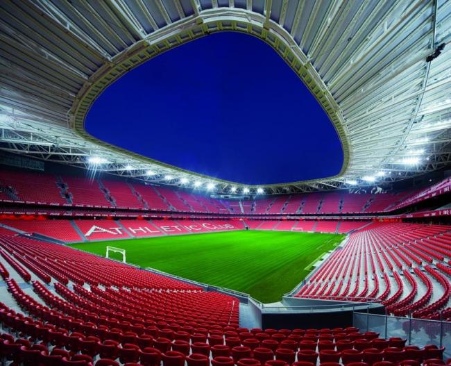 Стадион San Mamés (Испания).  Azcárate (ACXT-IDOM). Изображение предоставлено WAF