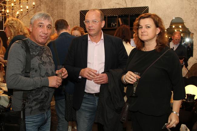 Олег Босиек (Flat)  , Дмитрий Крещенко, Ирина Шутько (АРХИСТУДИЯ). Фото предоставлено компанией Архистудия