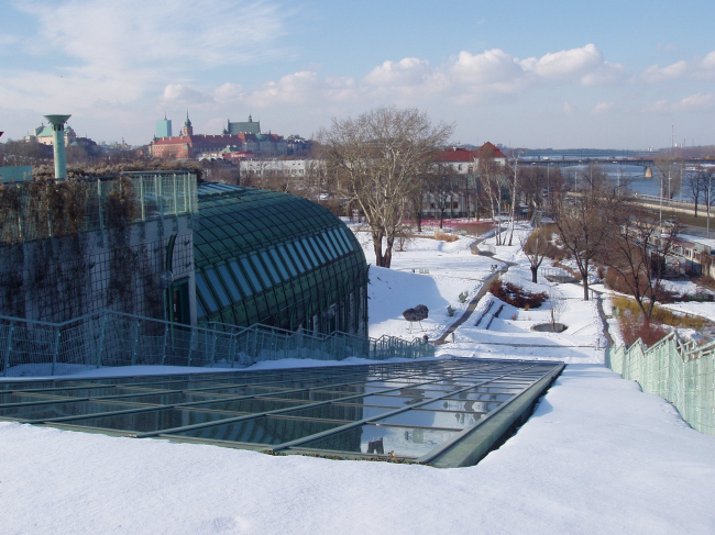 """Библиотека Варшавского унивеситета. Сад на крыше. Постройка, 2000. Фотография © Архитектурная мастерская """"Budzynski & Badowski"""""""